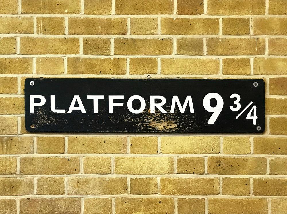 Harry Potter Free Tours - platform 9 3/4
