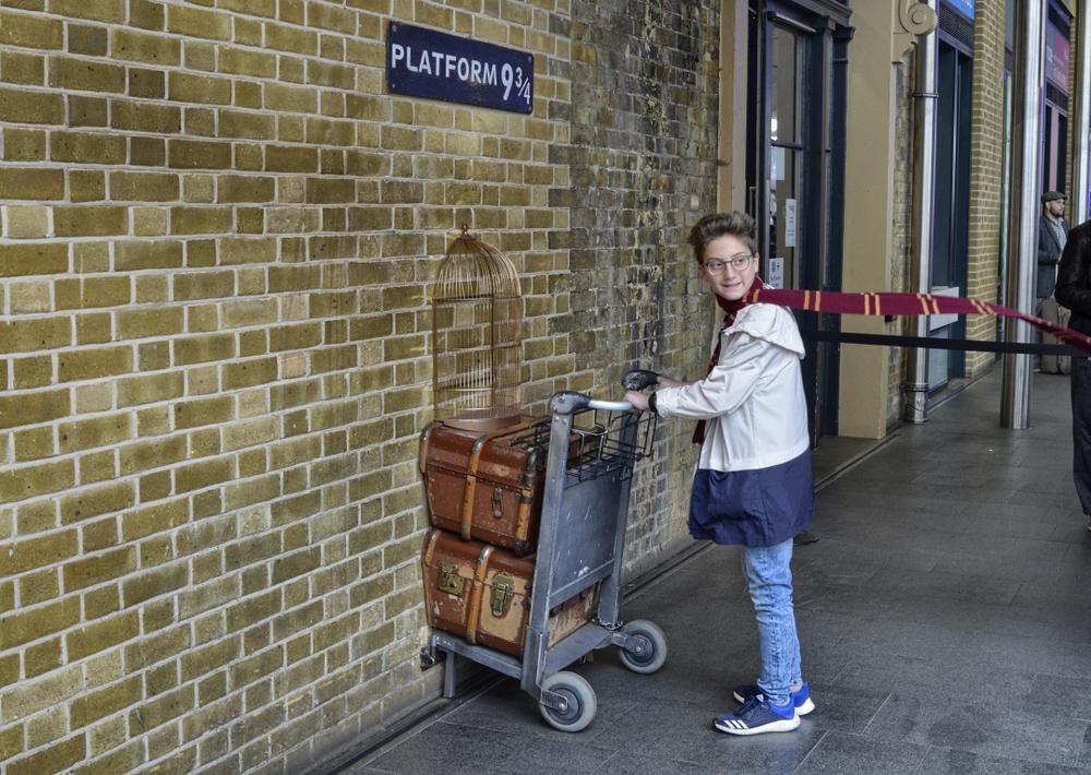 Platform 9 3-4 - Harry Potter Private tours