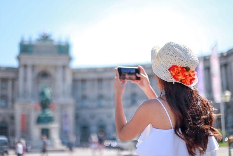 book a free walking tour in Vienna online