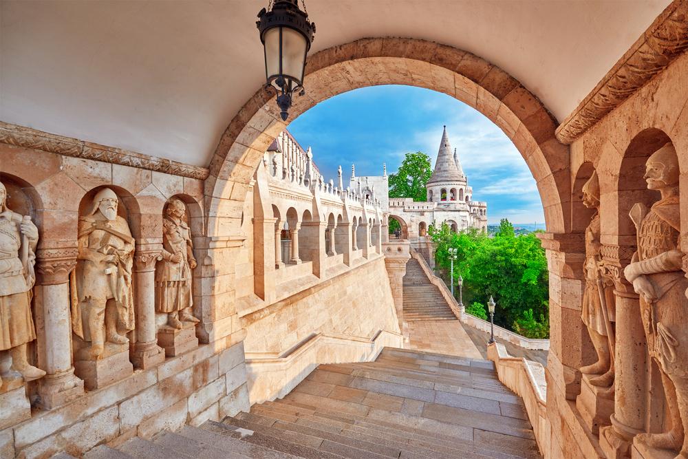 buda castle free tour