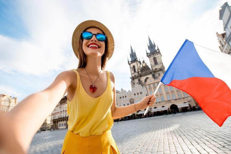 Prague free walking tours price