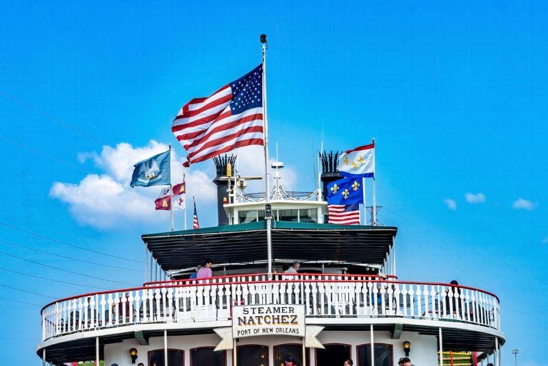 Steamboat Natchez cruises