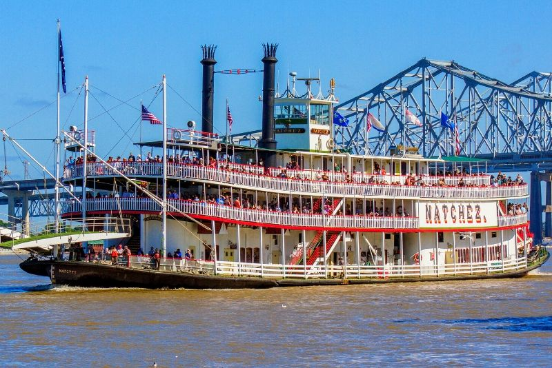 best time steamboat Natchez cruise
