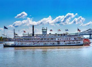 steamboat Natchez cruise