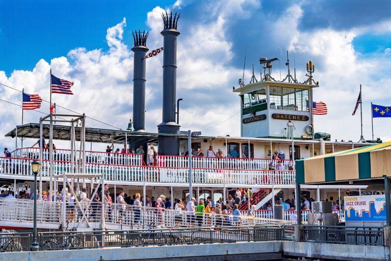 steamboat Natchez cruise travel tips