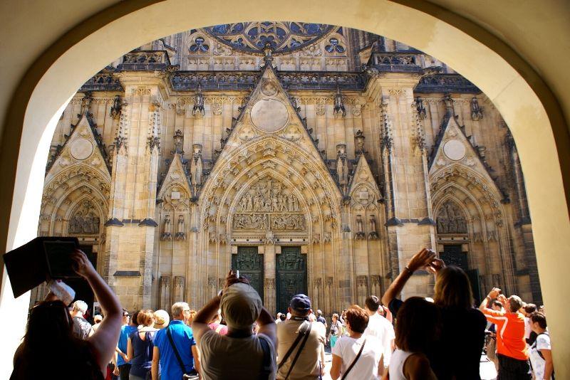 the best free walking tours in Prague