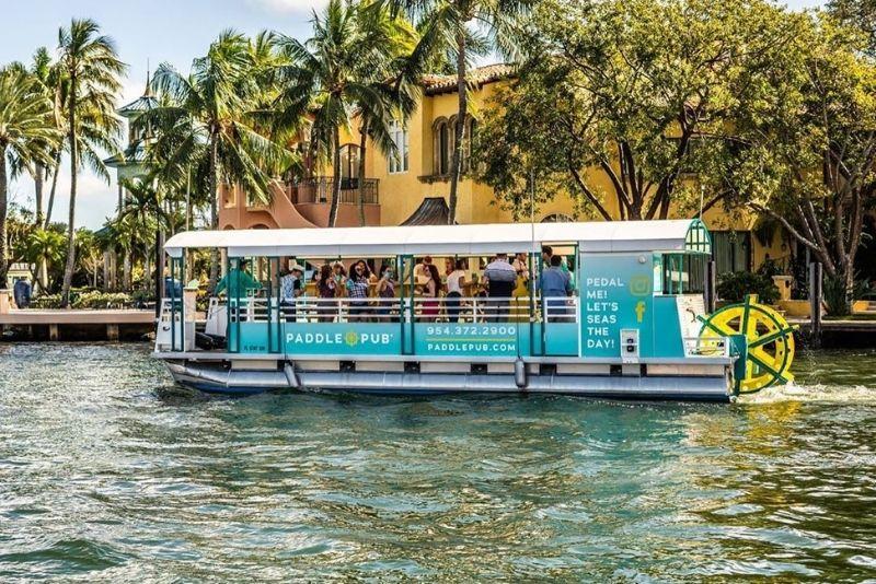 Paseo en barco por Paddle Pub en Miami, Florida