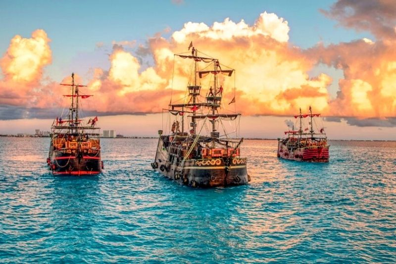 Captain Hook Dinner and Show in Cancún, Mexico