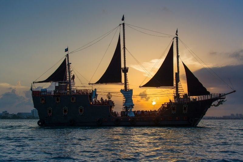 Jolly Roger pirate night show and dinner in Cancun, Mexico