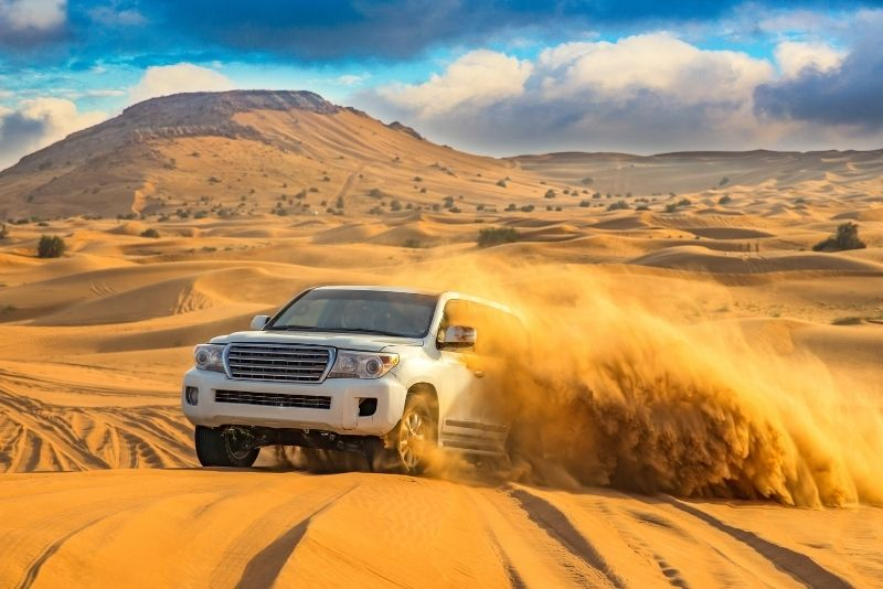 4×4 dune bashing in Dubai