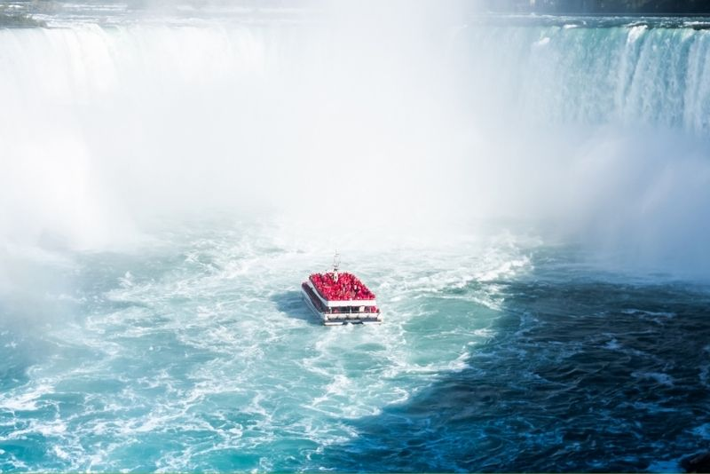 Niagara Falls Tour of American and Canadian sides with boat tour