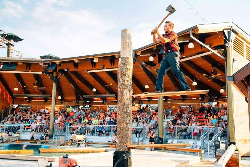 Paula Deen's Lumberjack Feud, Pigeon Forge