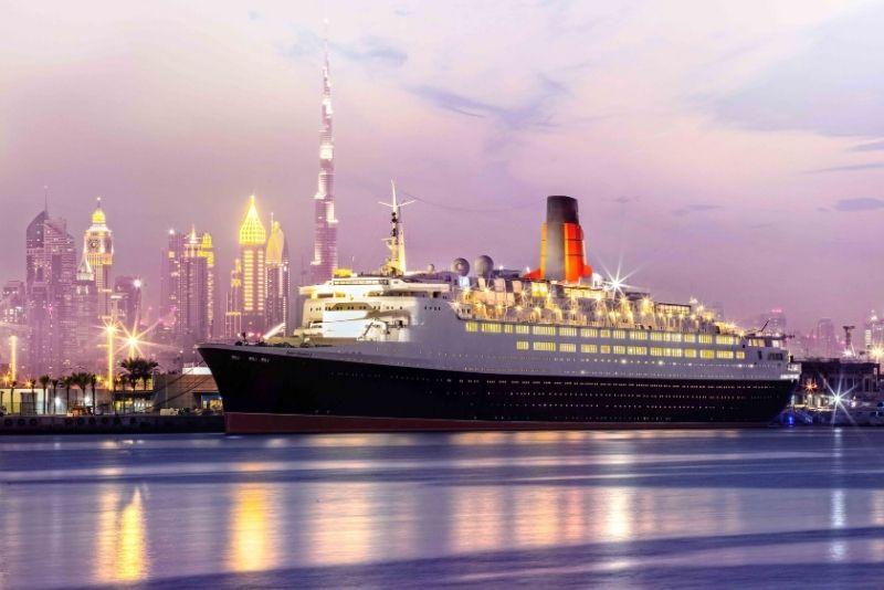 Hotel en barco Queen Elizabeth 2