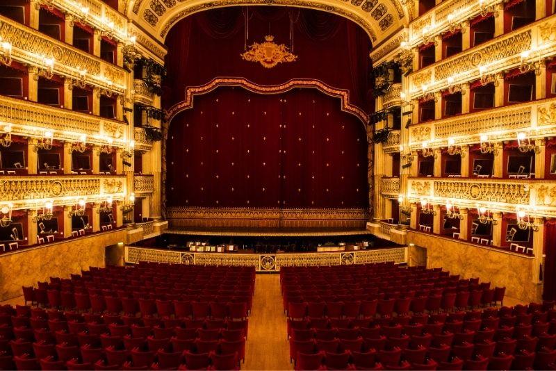 San Carlo Theater, Neapel