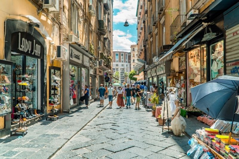 Spaccanapoli in der Altstadt von Neapel