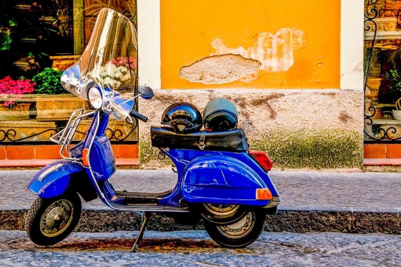 Vespa-Touren in Neapel
