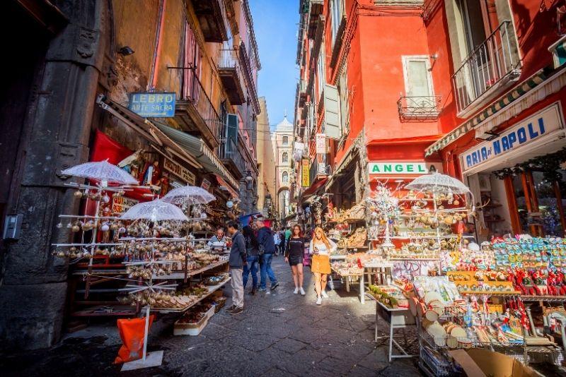 Via S. Gregorio Armeno, Neapel