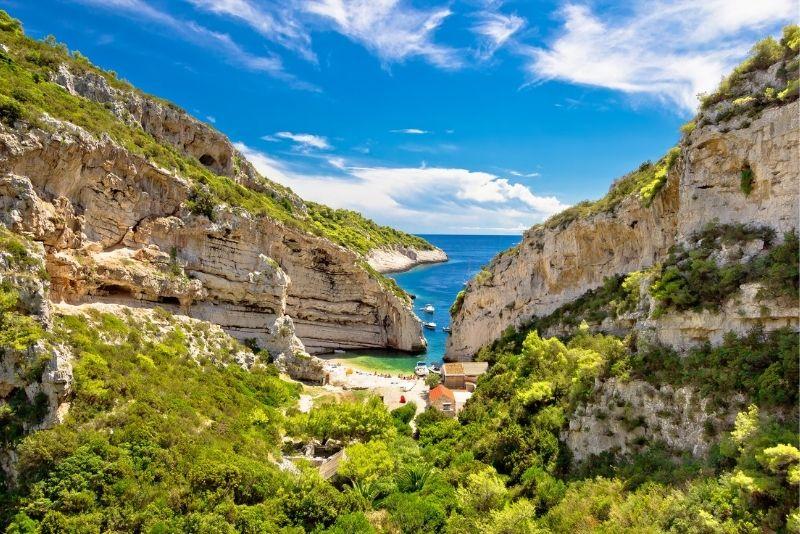Île de Vis près de Split
