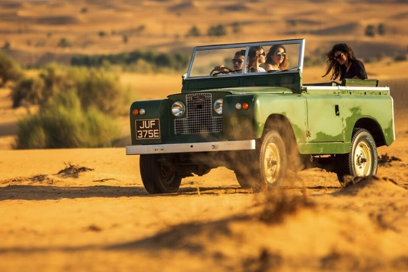 vintage Land Rover tour in Dubai