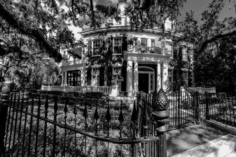 family fun ghost tour of Savannah