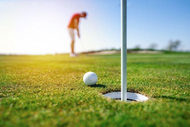 golfing in Los Angeles