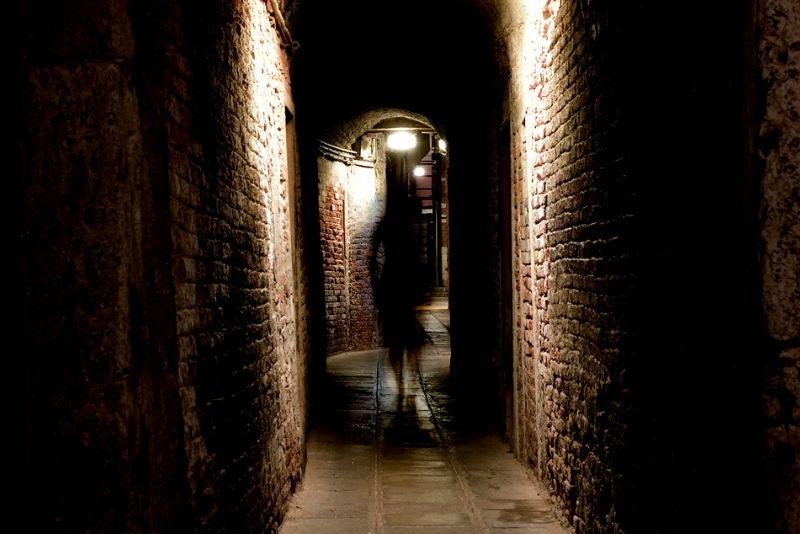 paranormal activity guided walking tour in Savannah