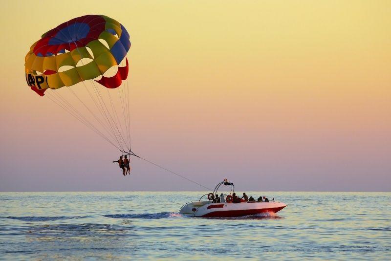parasailing in Malta