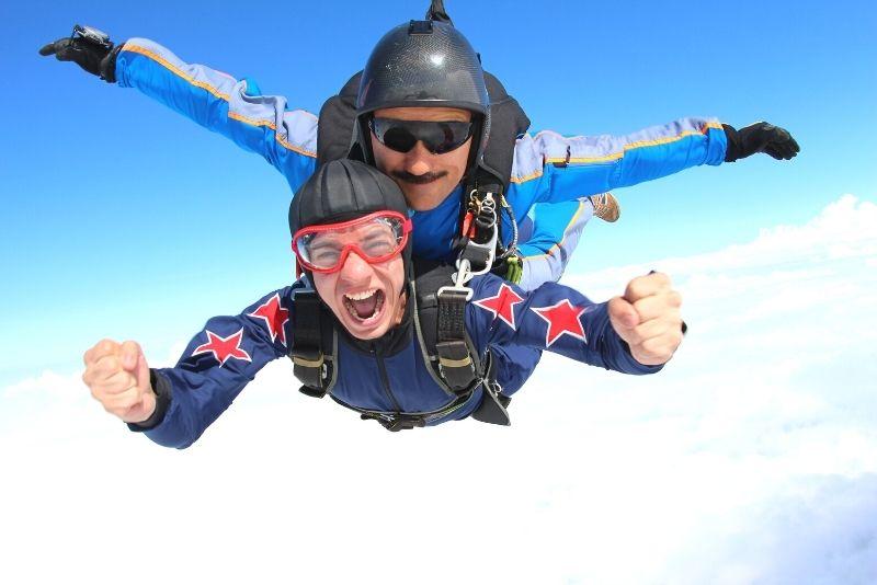 skydiving in Los Angeles
