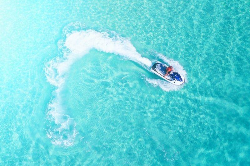 jet ski in Airlie Beach