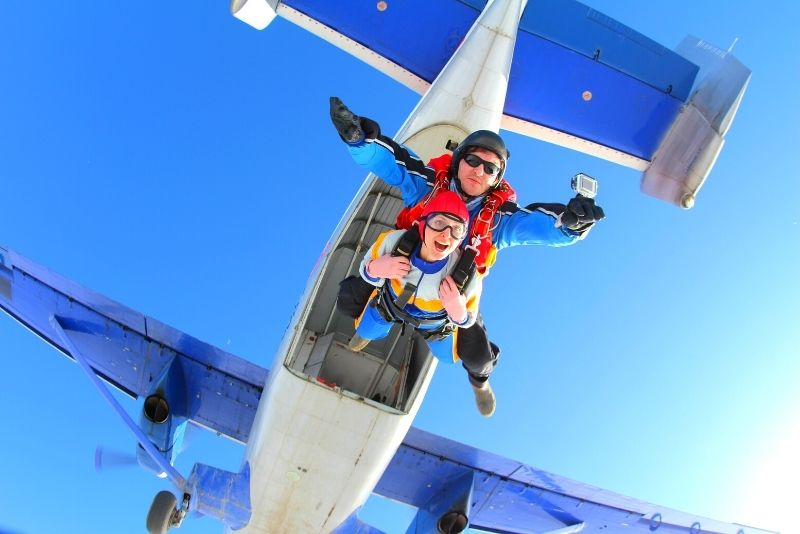skydiving in Airlie Beach