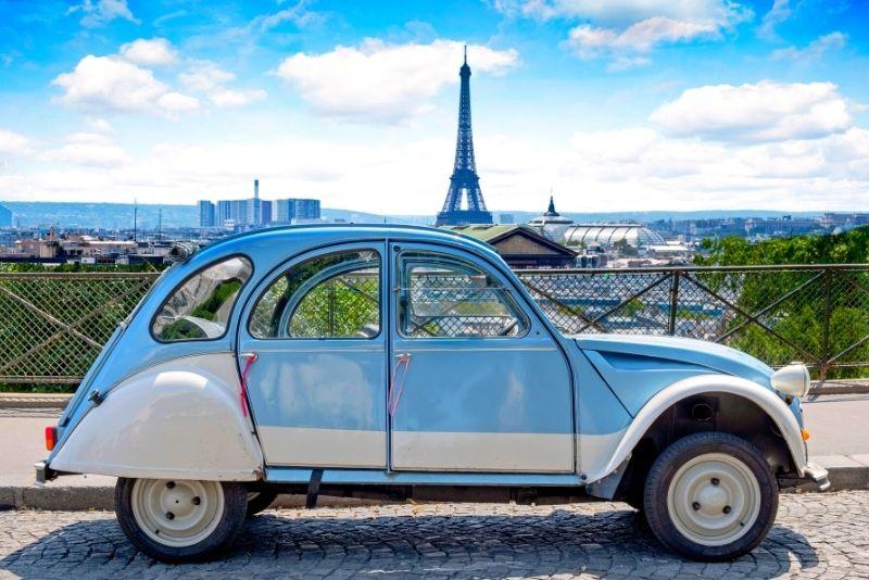 Visite de la Citroën 2CV à Paris