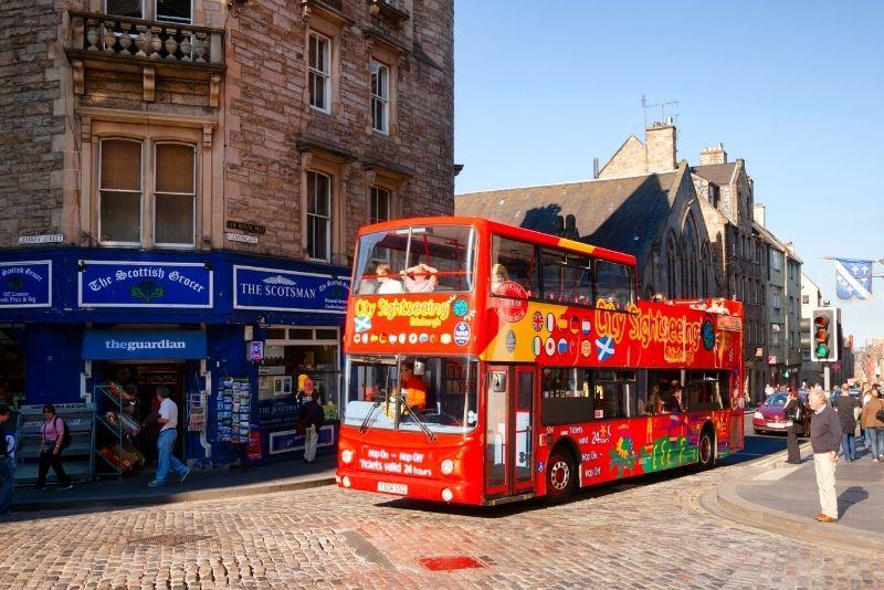Hop-on-Hop-off-Bustour durch Edinburgh