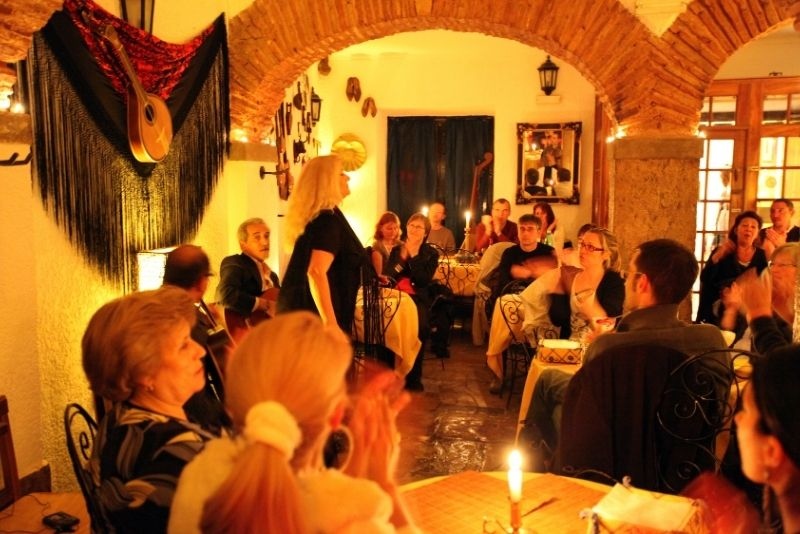 Fado dinner show in Lisbon