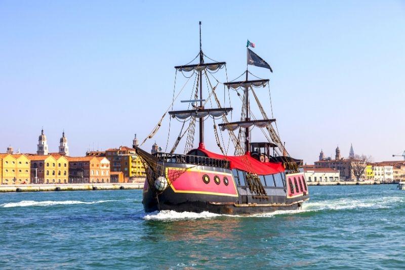 Crociera con cena in galeone a Venezia
