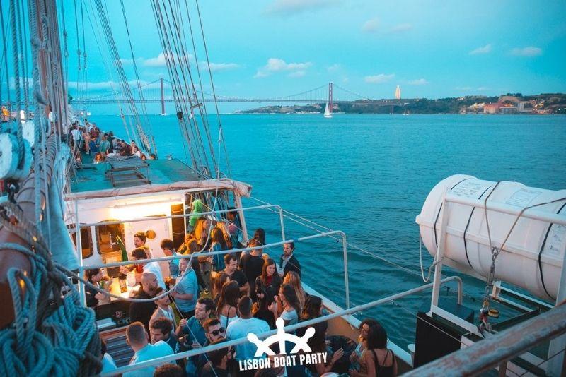 Lissabon Bootsparty