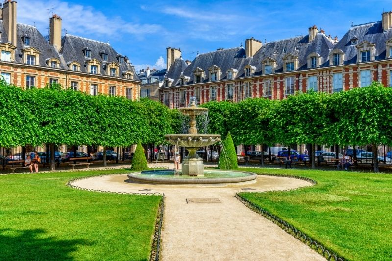 Place des Vosges, Paris