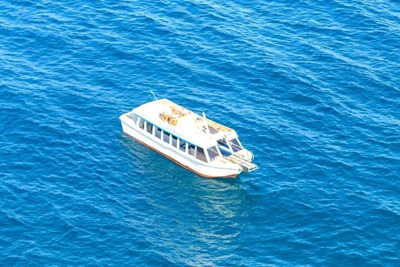 glass bottom boat tour in Waikiki