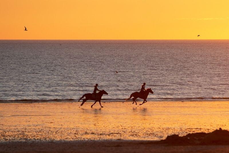 horse riding in Oahu