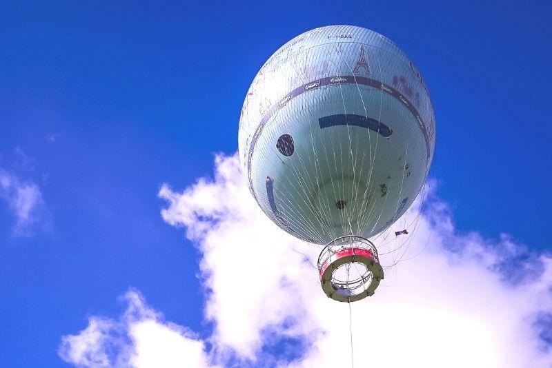 Montgolfière au-dessus du Parc André Citroën