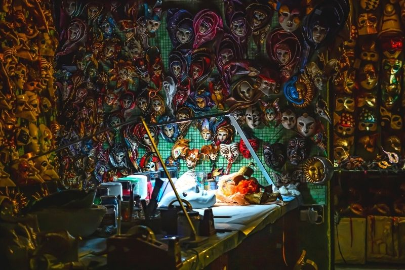 laboratorio di maschere a Venezia