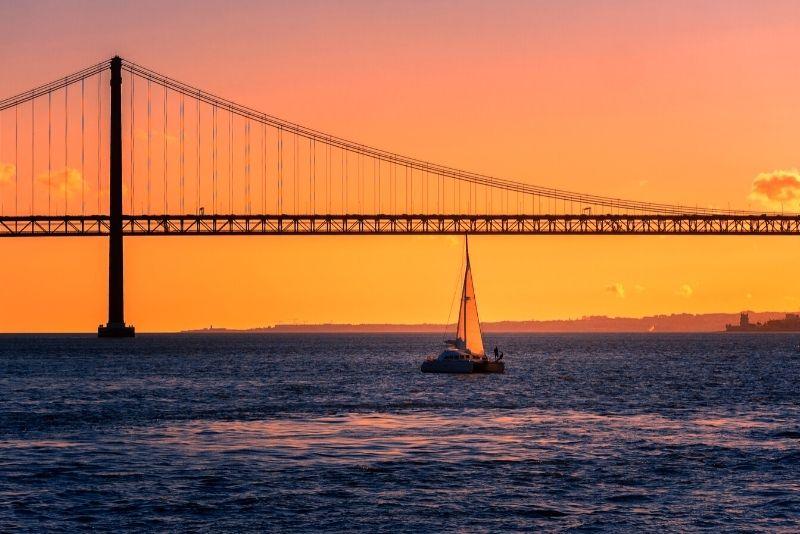 sailing tour in Lisbon