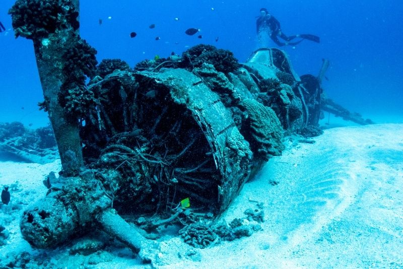 shipwreck scuba diving in Oahu