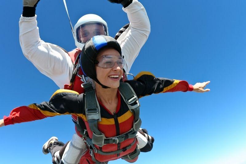 skydiving at Nettuno