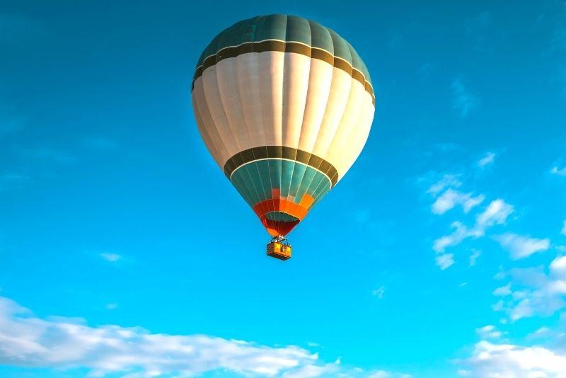 sunrise hot-air balloon ride in Rome