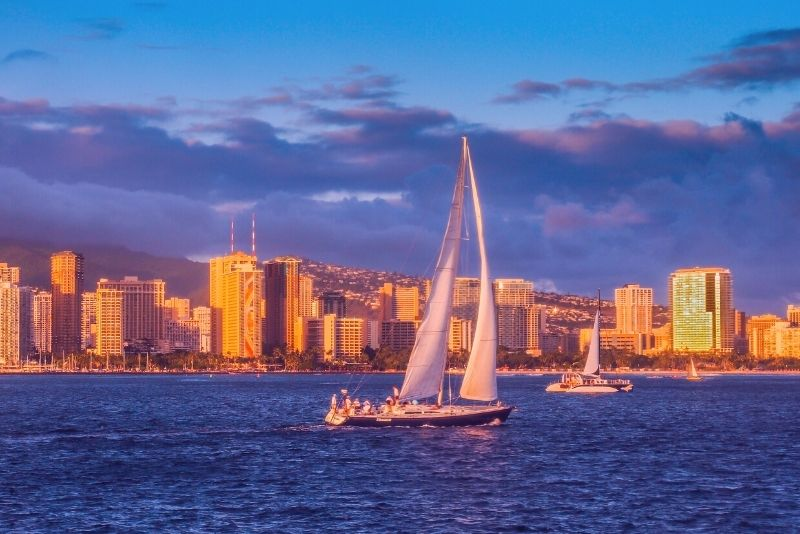 sunset sailing tour in Oahu