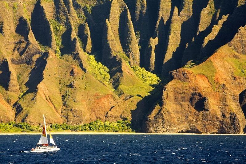 Na Pali coast sailing tour
