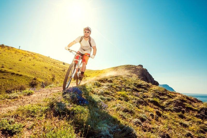 downhill cycling trip in Kauai