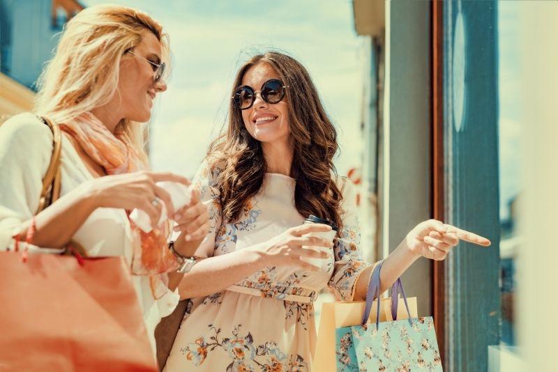 shopping in San Juan