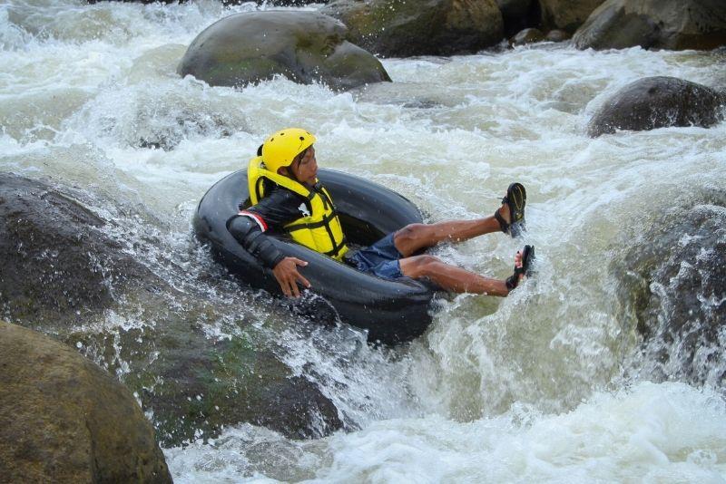 tubing adventure in Kauai