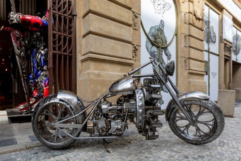 Galería de figuras de acero, Praga
